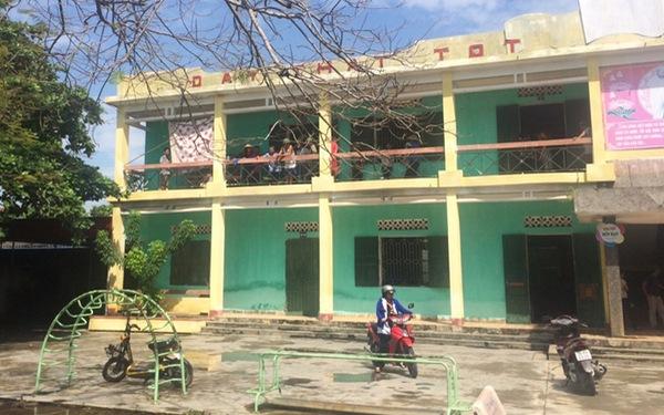 Học sinh lớp 4 tử vong bất thường tại hành lang trường học