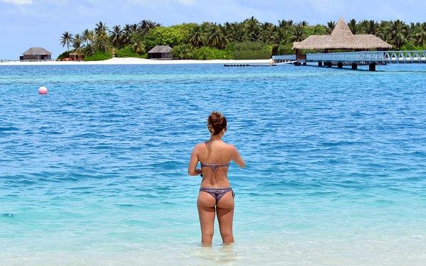 Ăn chơi, nhảy múa ở 'thiên đường' Maldives