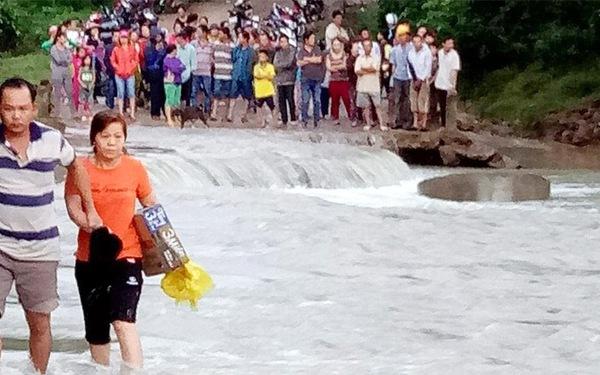 Lũ Phú Yên, Bình Định đạt đỉnh, 1 người mất tích