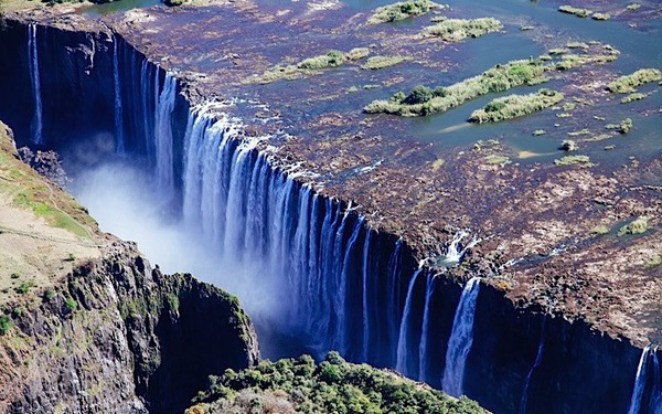Leo lên trực thăng ngắm thác nước đẹp nhất thế giới