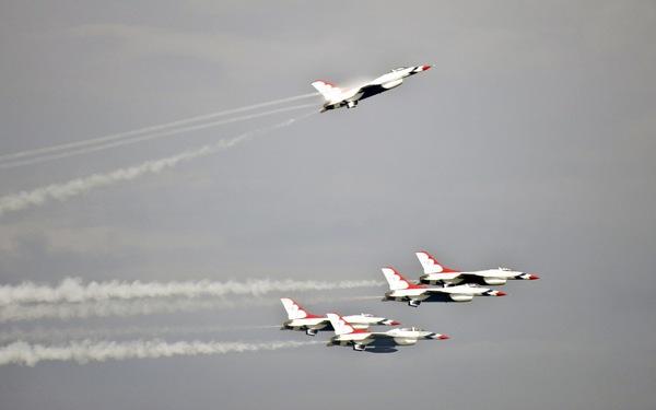 Xem 'Airshow' ở căn cứ không lực Hoa Kỳ