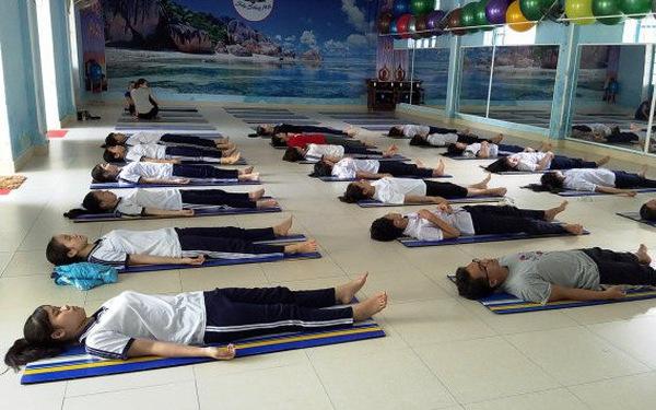 Tập… ngủ cho học sinh