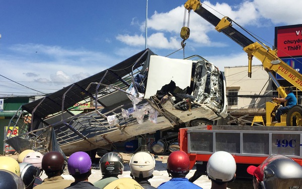 Xe tải tông chết 5 người trên quốc lộ 20 không bị hỏng thắng