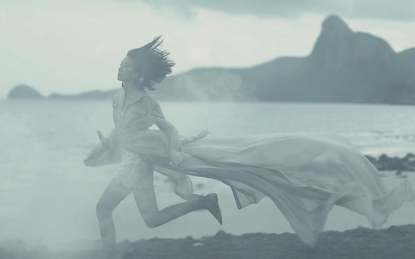 Những thước phim thời trang đẹp mơ màng của Chung Thanh Phong