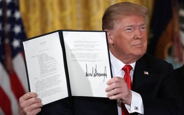 Tổng thống Donald Trump chỉ đạo thành lập lực lượng không gian