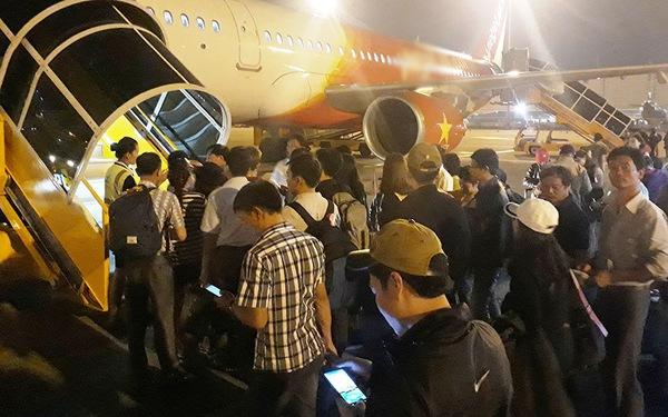 Thêm hãng hàng không, giá vé máy bay vẫn khó giảm