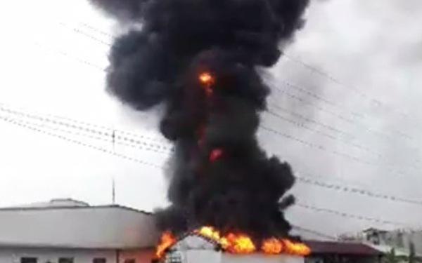 Cháy công ty giày da tại khu công nghiệp Tân Liên