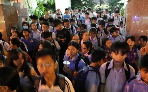 Học sinh các nước có 'oải' vì học thêm không?