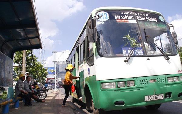 Bỏ xe hơi riêng đi xe buýt, có sao đâu!