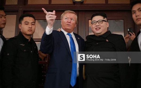 """Kim - Trump giả và dàn vệ sĩ áo đen bị """"tống tiễn"""" ra khỏi khách sạn vì không đặt phòng"""