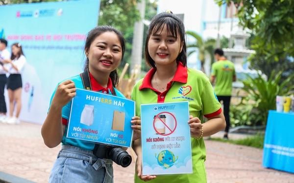 Sinh viên TP.HCM cam kết thấy rác nhặt ngay, không dùng ly nhựa