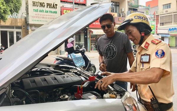 Nhóm tài xế Sài Gòn dễ thương chuyên kích bình ăcquy ôtô miễn phí