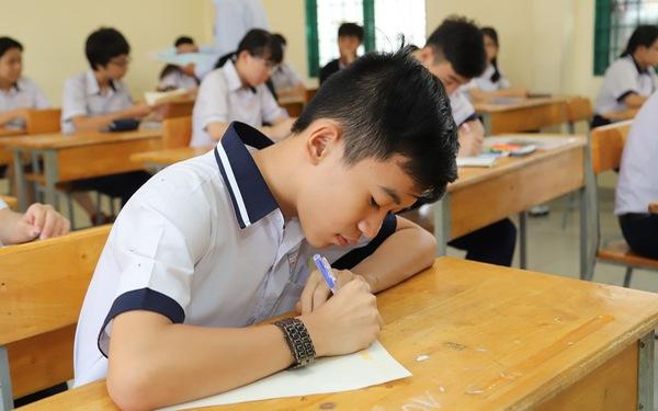 Đề thi tiếng Anh lớp 10 TP.HCM sai: Viết young hay your vẫn được điểm tối đa