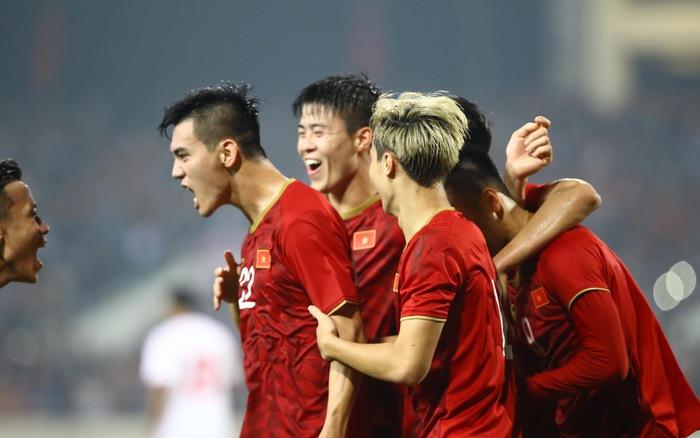 Đội tuyển Việt Nam được thưởng nóng 2 tỉ sau chiến thắng UAE