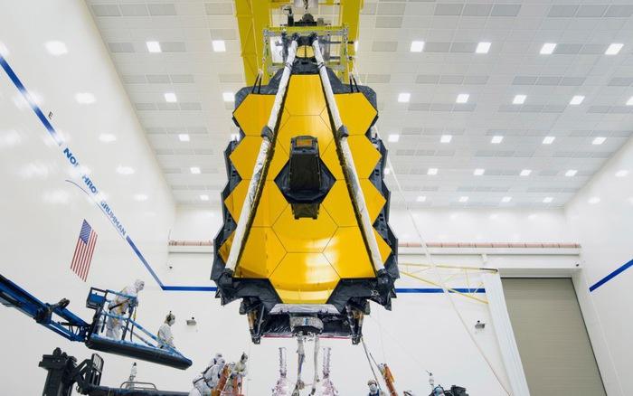 NASA lắp kính thiên văn không gian lớn nhất lịch sử